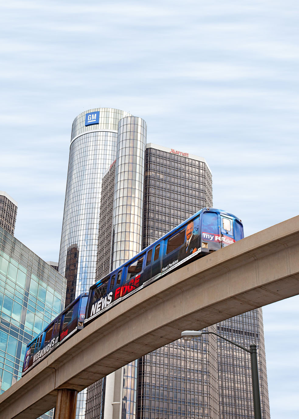how to use the people mover in detroit
