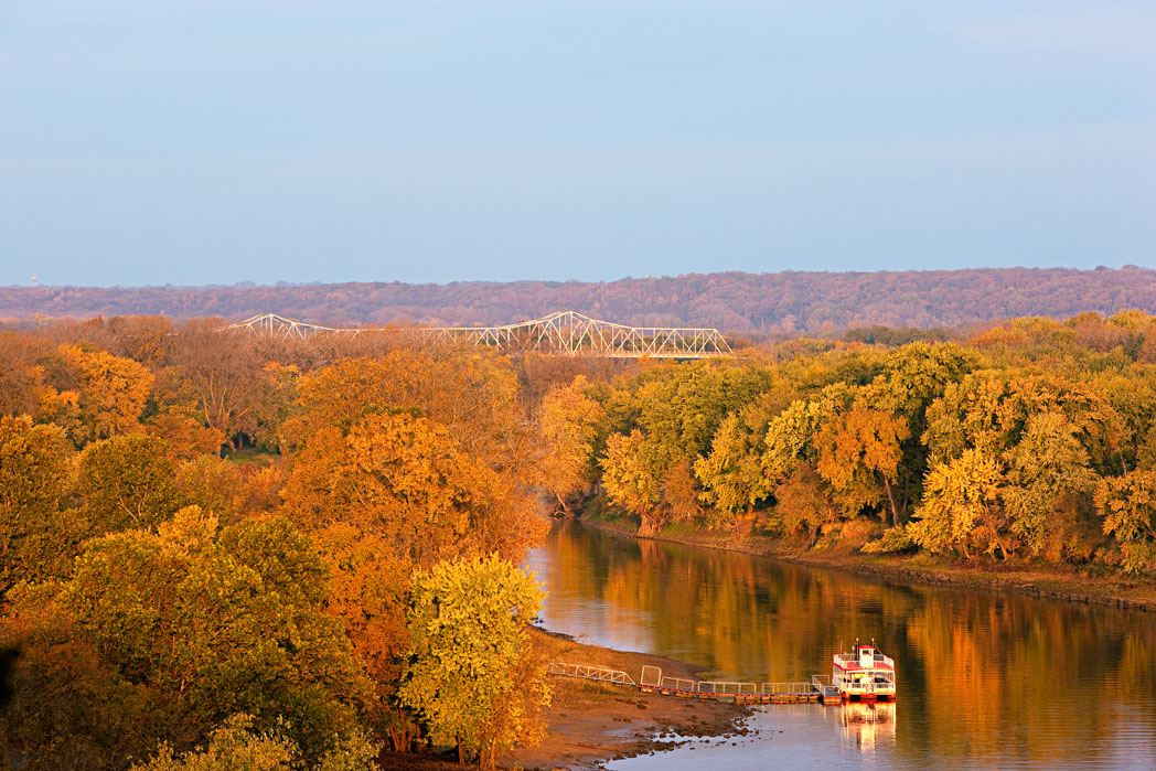 Illinois River Road And Peoria Trip Guide Midwest Living