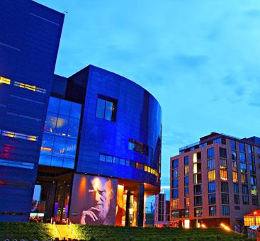 Guthrie Theater. Photo courtesy of Meet Minneapolis.