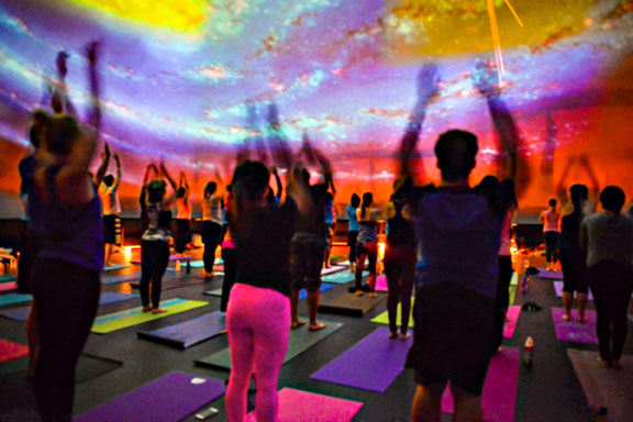 Yoga Under the Stars in Chicago | Midwest Living