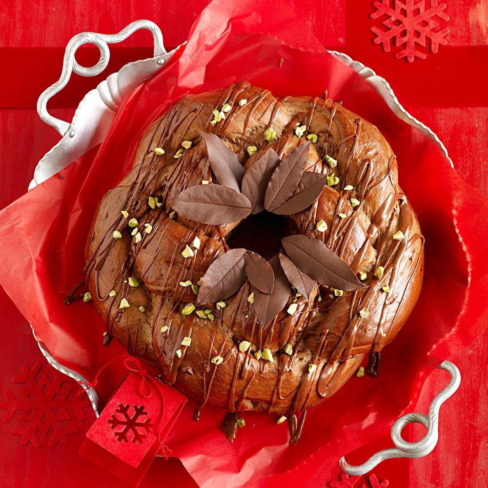 Chocolate-Pistachio Wreath Bread