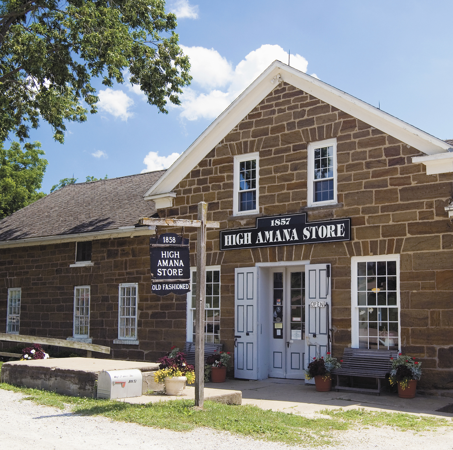 High Amana General Store. Photo Courtesy of Iowa Tourism Office.