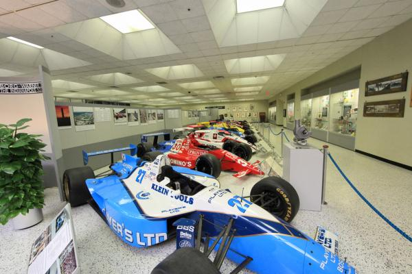 Top 10 things to do with kids in indianapolis midwest living for Indianapolis motor speedway com