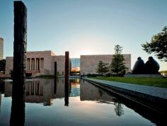 Joslyn Art Museum. Photo courtesy of the Omaha Convention & Visitors Bureau.