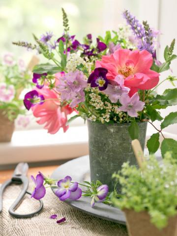 20 Beautiful Flower Arrangements Midwest Living