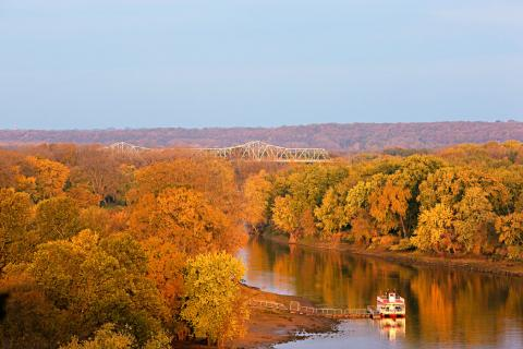 Fall Color Along The Illinois River Road Midwest Living