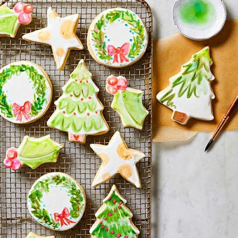 40 christmas cookie recipes to treasure midwest living - Decorations For Christmas Sugar Cookies