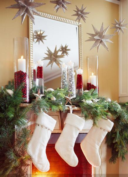 take it to the max - Mantelpiece Christmas Decorations