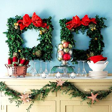 holiday surprise wreath