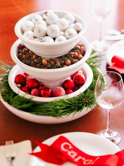 christmas centerpiece ideas stacked centerpiece - How To Decorate A Christmas Table