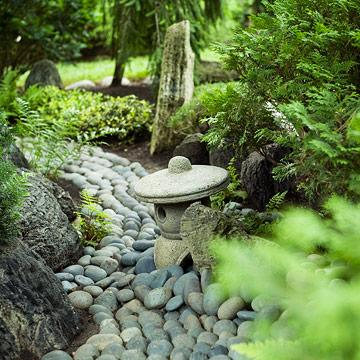 A japanese meditation garden midwest living for Best plants for japanese garden