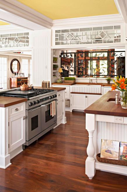 Design a kitchen for entertaining midwest living for Entertaining kitchen designs