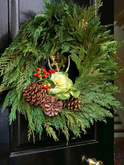 Colonial Christmas Decor Ideas Midwest Living - Colonial christmas decorating ideas