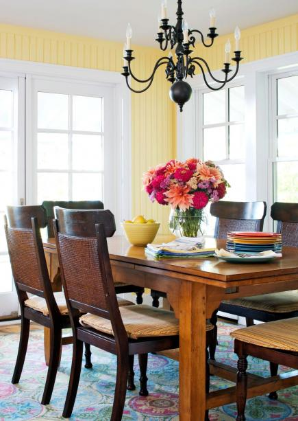 House tour 10 ways to bring home cottage style midwest for Ways to decorate dining room