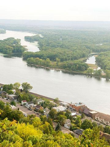 3 weekend getaways near minneapolis midwest living for Best weekend getaways in southeast