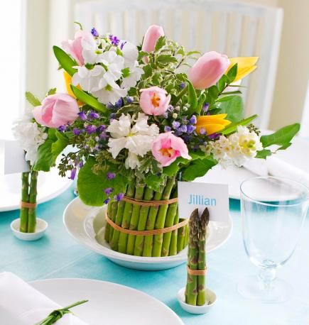 50 bright and easy spring decorating ideas midwest living for Flower arrangements decorations home