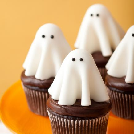 ghost cupcakes - Halloween Decorations Cupcakes