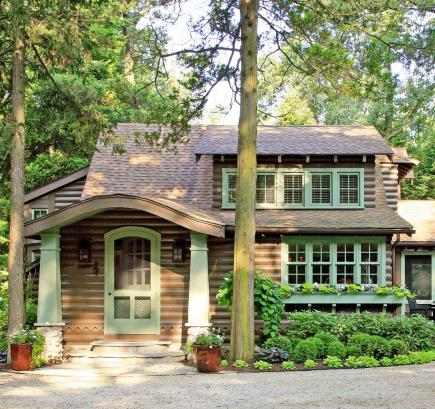 Lake michigan cabin makeover midwest living for Cottage builders in michigan