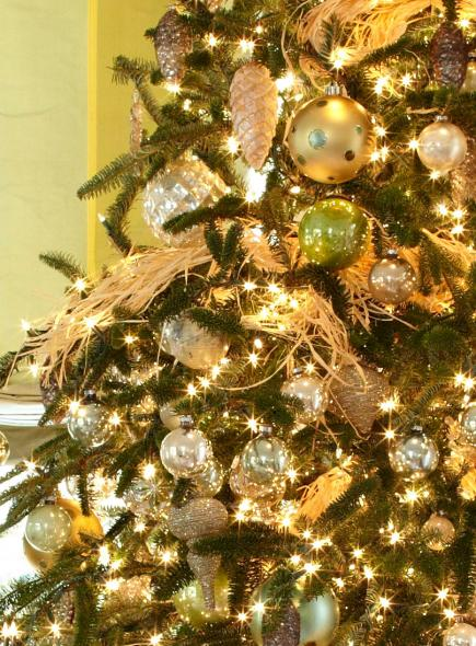 Shimmery Style Closeup Gold And Green Ball Ornaments