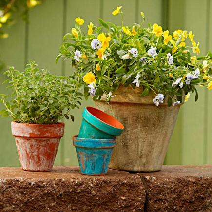 DIY aged garden pots