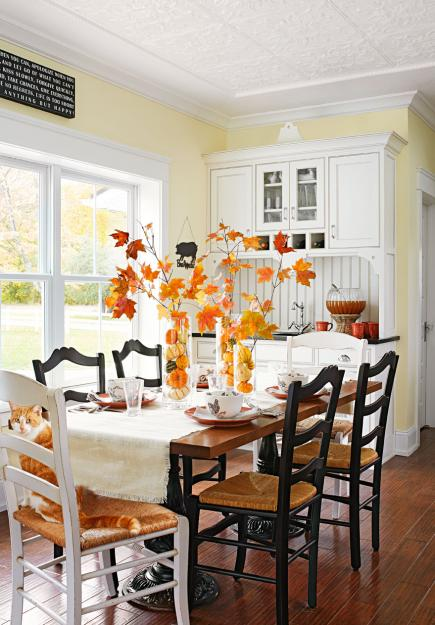18 rooms decorated with fall colors midwest living - Pictures of decorated living rooms ...
