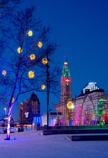 30 Great Places To See Holiday Lights Midwest Living