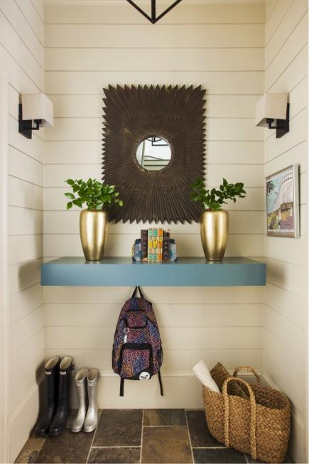A Mudroom Area Inside An Entry Room.