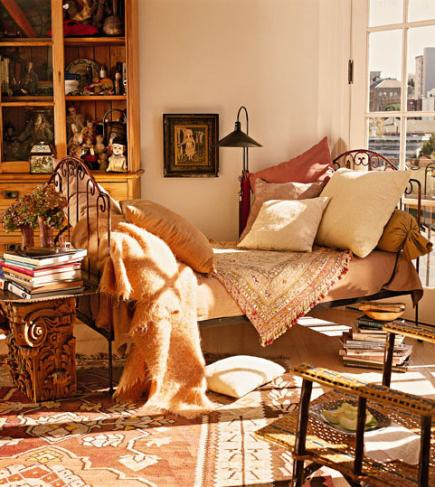 12 cozy fall decorating ideas midwest living for 7 cosy living room looks for autumn