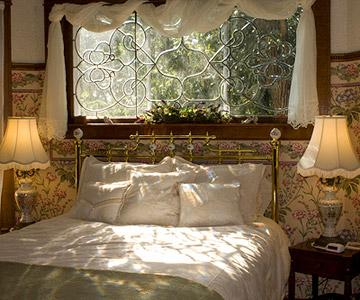 midwest bed and breakfast Our 111 acre beautiful midwest bed and breakfast near kansas city, mo offers romantic rooms, a spa, gourmet meals & more join us in kansas.