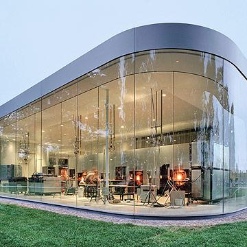 7 ohio glass museums that sparkle midwest living. Black Bedroom Furniture Sets. Home Design Ideas