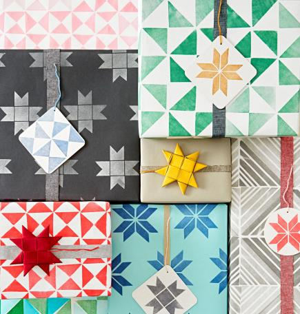 Quilt-style Christmas decor