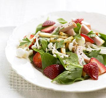 Strawberry Spinach Salad with Hickory-Smoked Chicken