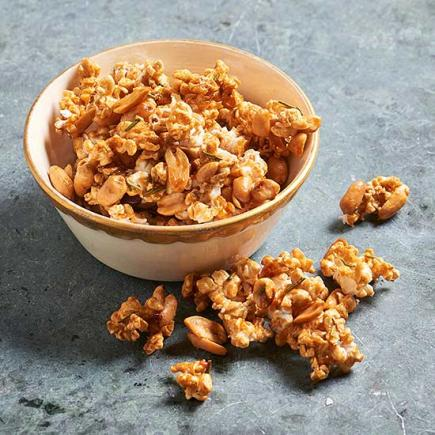 Spicy Rosemary-Peanut Caramel Corn