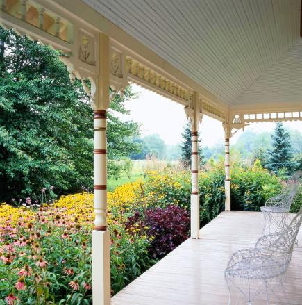 Look inside-out & 20 Secrets to Landscape Success | Midwest Living
