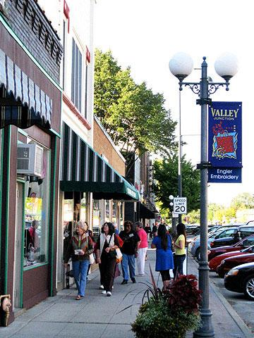 Top attractions in des moines midwest living for Craft stores des moines