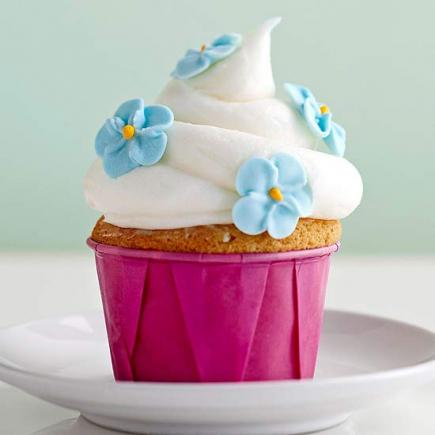 Buttermilk Cupcakes With Sour Cream Frosting