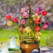 Tulip spring centerpiece