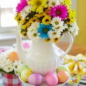 Teapot Easter centerpiece