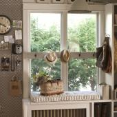 Vintage letters customize a mudroom.