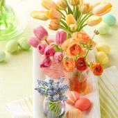 Colors of spring centerpiece