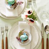 Egg place cards