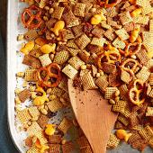 Cheesy Tomato Snack Mix