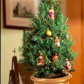 12 Easy Tabletop Christmas Trees | Midwest Living