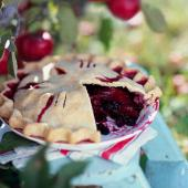 Berry Apple Fantasy Pie