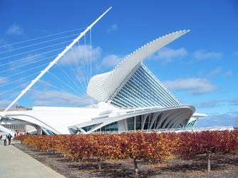 Milwaukee Art Museum. Photo courtesy of Visit Milwaukee.