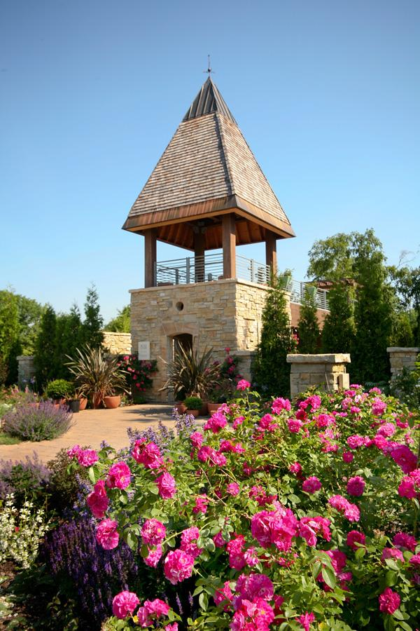 4 dazzling midwest rose gardens midwest living for Olbrich botanical gardens hours