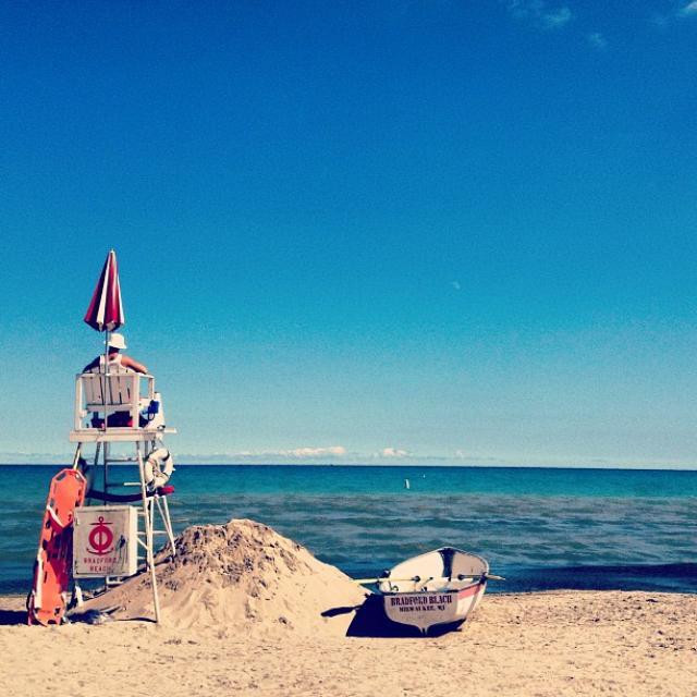 Bradford Beach by @vrenov