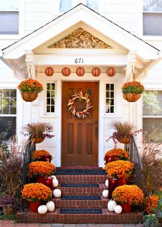 Fall outdoor decorating with mums