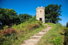 Julien Dubuque Monument in Mines of Spain Recreation Area. Photo courtesy of Dubuque Area Convention & Visitors Bureau.