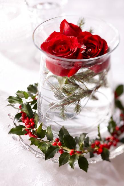 Christmas Centerpiece Ideas Rose And Holly